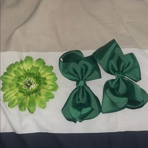 Hair bows for girls- green sunflower hairbow clip